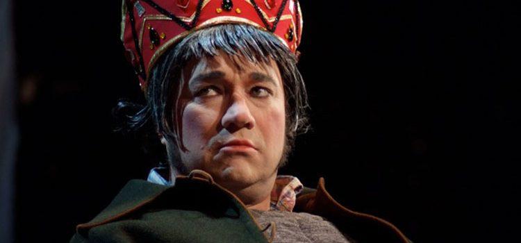 Rodolphe Briand as King Pétaud in La cour du roi Pétaud, at L'Athénée, 2008 (c) © Elisabeth de Sauverzac