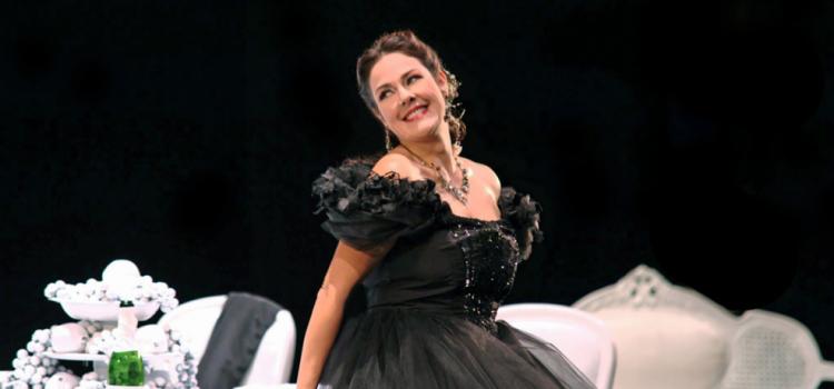 Yolanda Auyanet en Violetta dans la Traviata au Teatro Catania