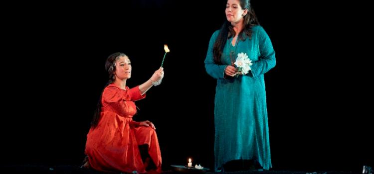 Elodie Méchain & Sabine Devieilhe, Lakmé - Opéra Comique (c) Pierre Grosbois