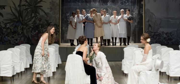 intermezzo-le-nozze-di-figaro-valiquette-zurich-opernhaus